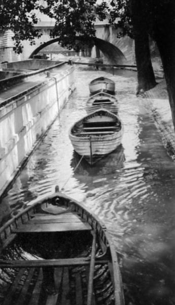 Sur les Quais (On the Riverbank), c. 1930