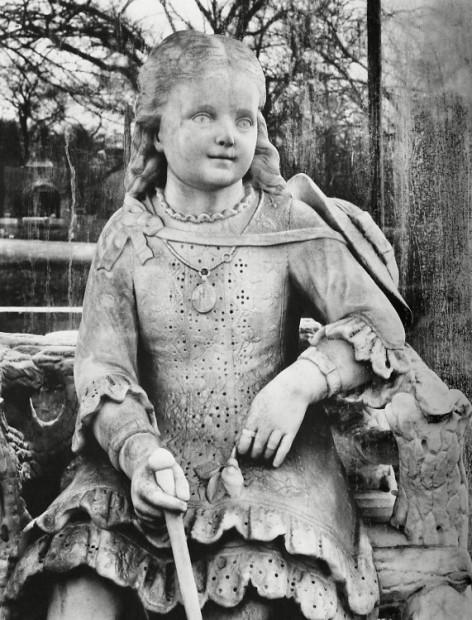 """""""Inez"""", Graceland Cemetery, Chicago, 1947"""