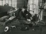 Thumbnail image: Alexander Calder, Paris, 1929