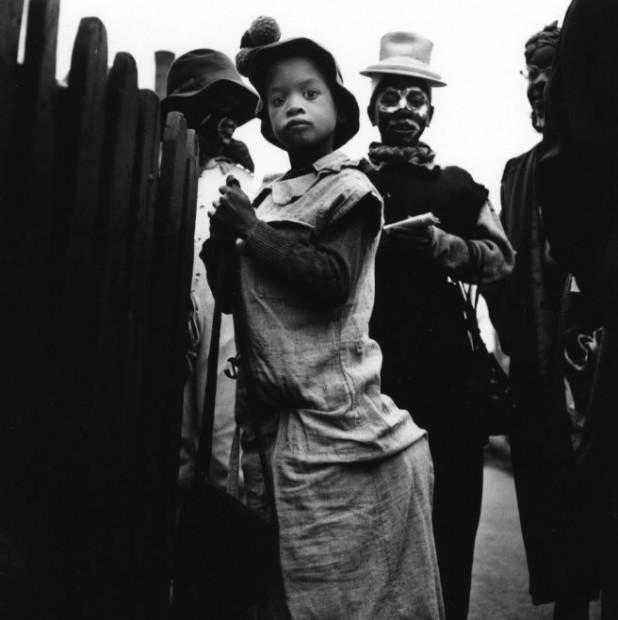 Yasuhiro Ishimoto<br>Chicago, Halloween, 1951-52