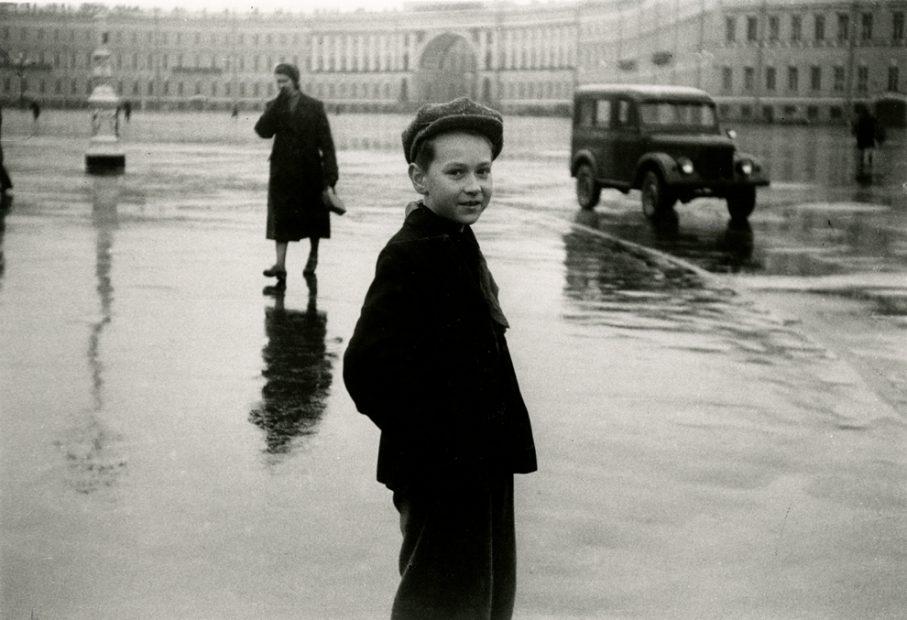 Duane Michals <br> Lenningrad, 1958