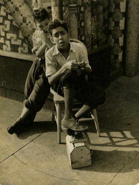 Sid Grossman <br> Harlem, 1939