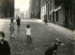 Thumbnail image: Roger Mayne <br> Edinburg, 1958