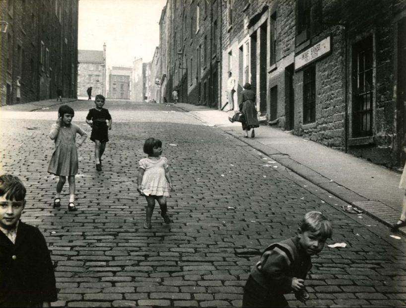 Roger Mayne <br> Edinburg, 1958