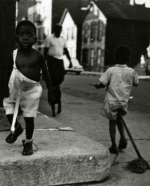Yasuhiro Ishimoto<br>Untitled, Chicago, 1950s