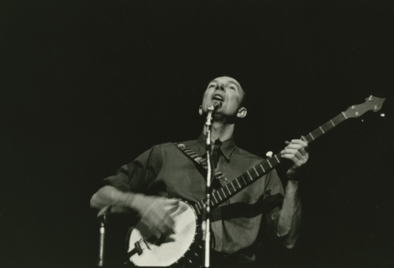 Pete Seeger with Banjo, Orchestra Hall, Chicago, October 8, 1960