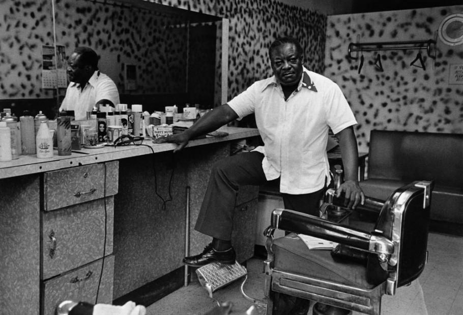 Deas McNeil, The Barber, Harlem, 1976