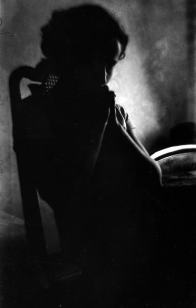 Girl in Shadow, 1932