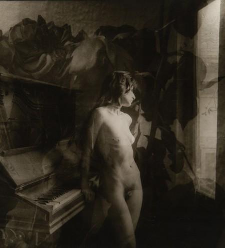Vicky Palermo with Piano at Shun-yin, 1962